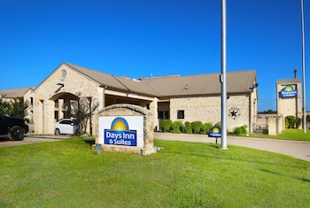 Hotel - Days Inn & Suites by Wyndham Llano