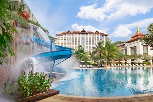 . Shangri-La Hotel Chiang Mai
