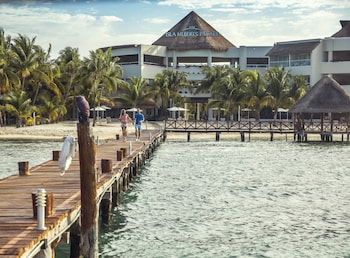 Hotel - Isla Mujeres Palace Couples Only All Inclusive Resort