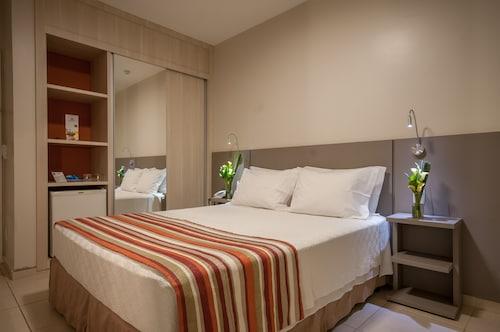 . Saint Peter Hotel