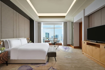 Ritz-Carlton Guest Room, Club Level