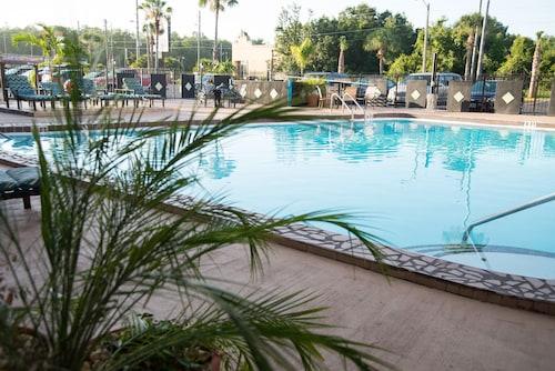 Seasons Florida Resort image 12