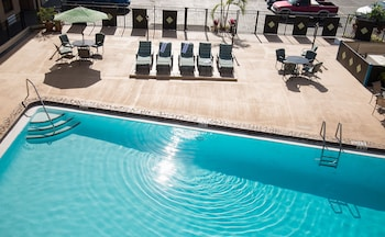 Hotel - Seasons Florida Resort