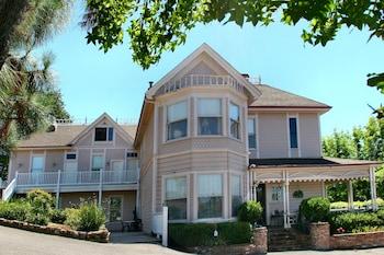 Power's Mansion Inn