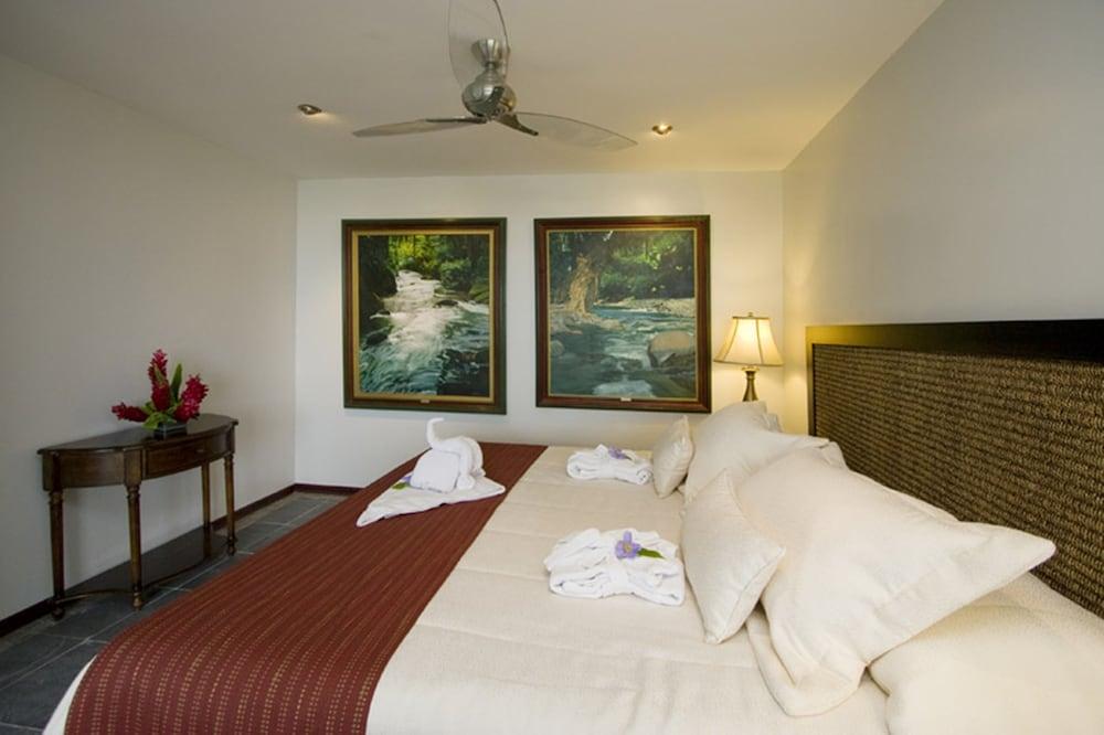 https://i.travelapi.com/hotels/2000000/1820000/1817700/1817659/583413b9_z.jpg