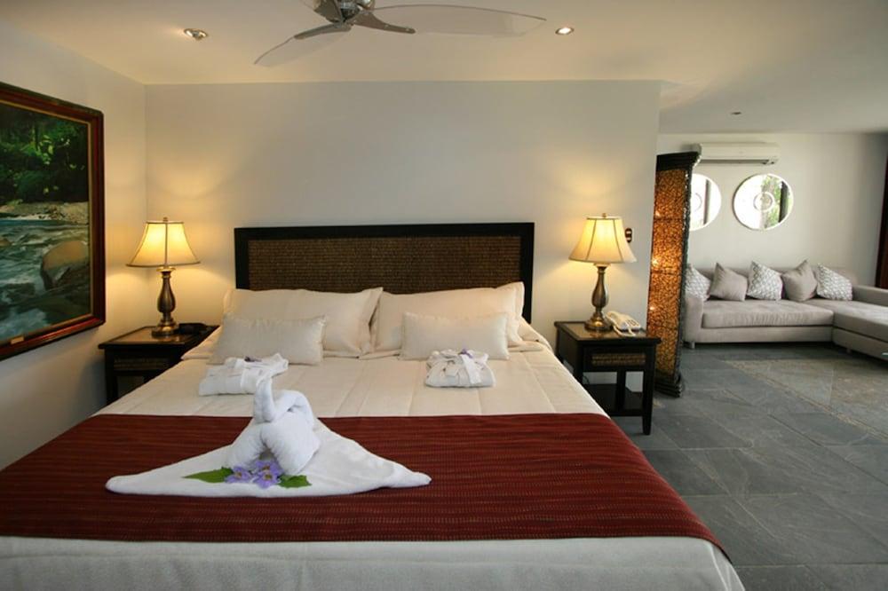 https://i.travelapi.com/hotels/2000000/1820000/1817700/1817659/8e333811_z.jpg