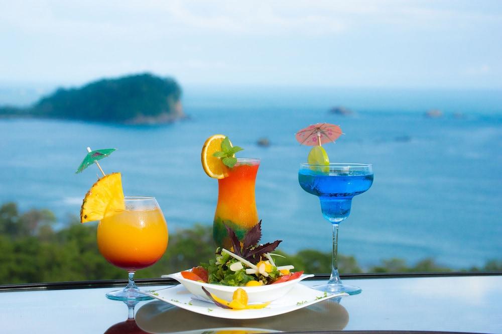https://i.travelapi.com/hotels/2000000/1820000/1817700/1817659/da47f1c3_z.jpg