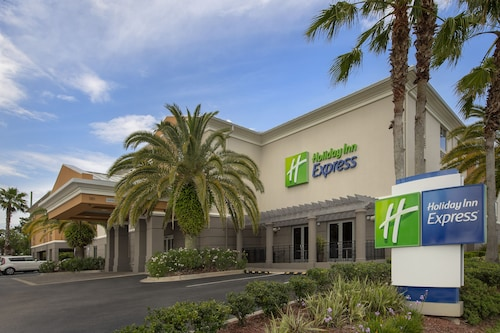 . Holiday Inn Express Jacksonville Beach, an IHG Hotel