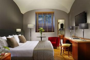 Basic Double Room (basement)