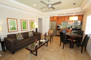 Condo, 3 Bedrooms, 2 Bathrooms