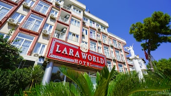 Lara World