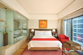 Club Room, 1 King Bed (Trident)