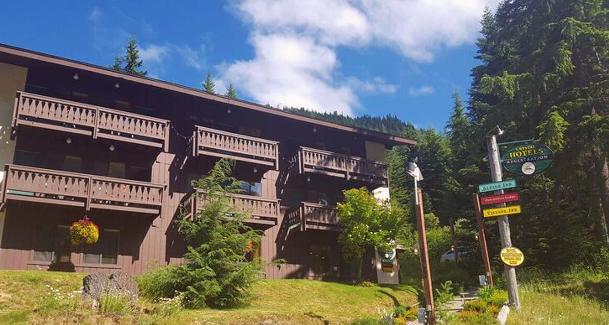Crystal Mountain Hotels, Pierce
