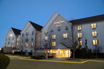 TownePlace Suites by Marriott Republic Airport Long Island