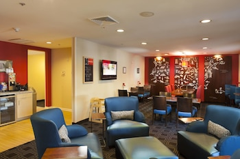 Lobby at Towneplace Suites by Marriott Savannah Airport in Savannah