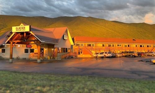 . Glacier Basecamp Lodge