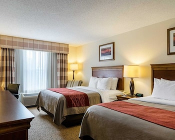 Dover Vacations - Comfort Inn & Suites - Property Image 1