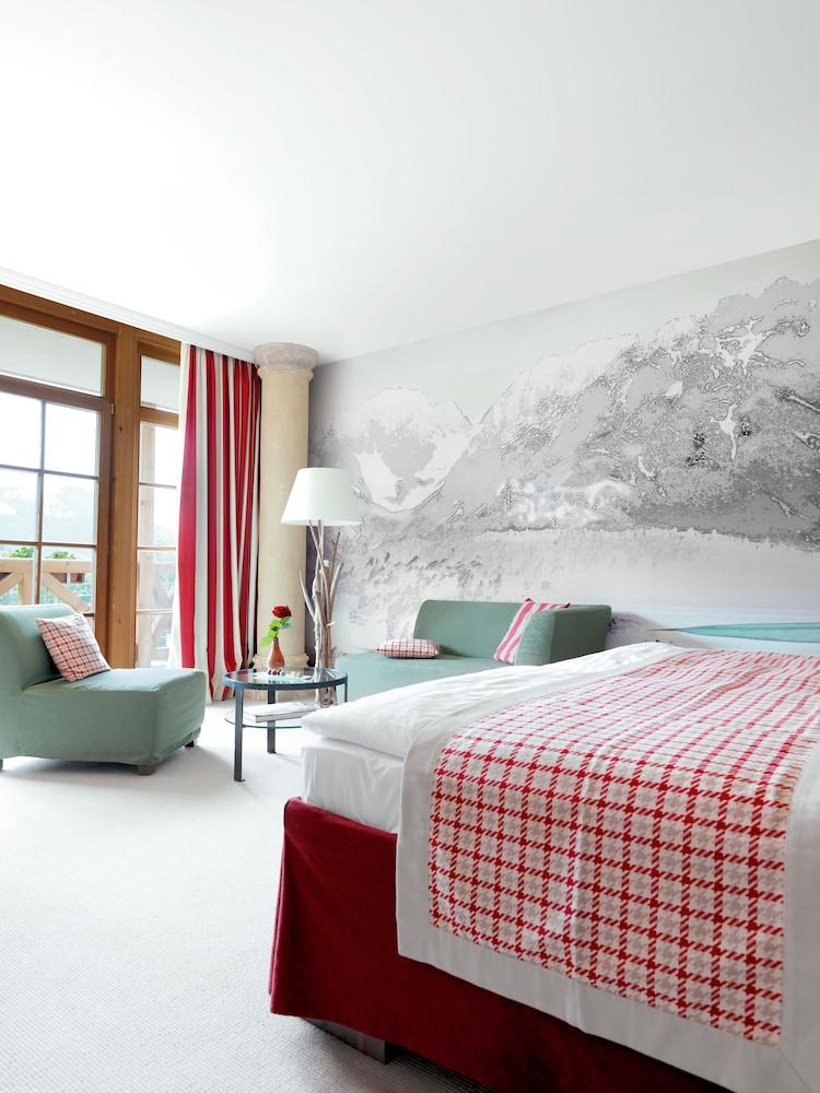 Deluxe Room, Balcony