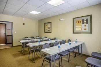 Econo Lodge Inn & Suites - Meeting Facility  - #0