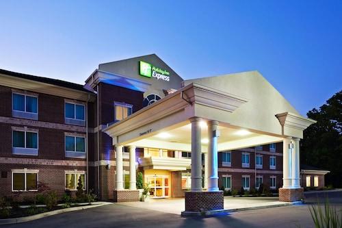 . Holiday Inn Express & Suites Carrollton