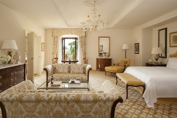Deluxe Suite, 1 King Bed (Executive)