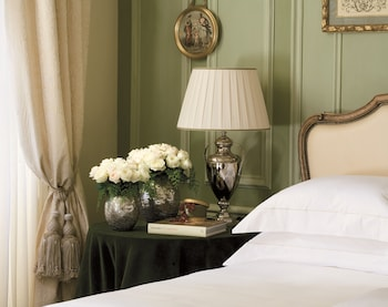 Superior Room One King Bed