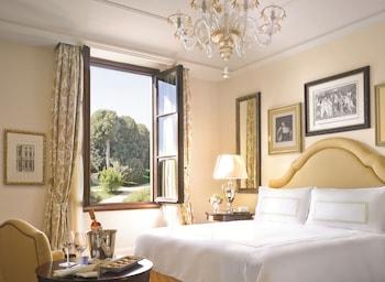 Premier Room One King Bed