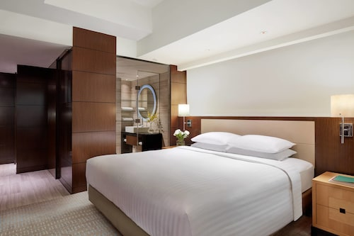 Courtyard by Marriott Hong Kong, Central and Western