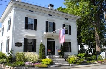 Hotel - Benjamin F. Packard House