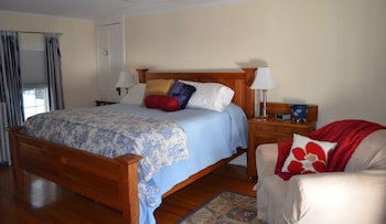 Superior Room, 1 King Bed, Private Bathroom, Garden View (The Packard Room)