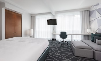 Suite, 1 King Bed (Loft)