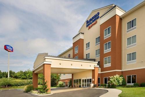 . Fairfield Inn & Suites by Marriott Cleveland