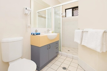 Central Plaza Apartments - Bathroom  - #0