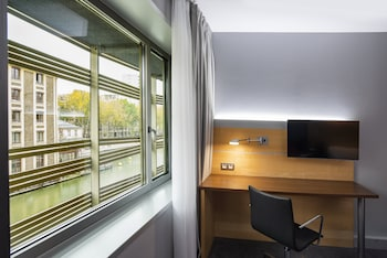 Room, 1 Double Bed with Sofa bed (Canal Side)