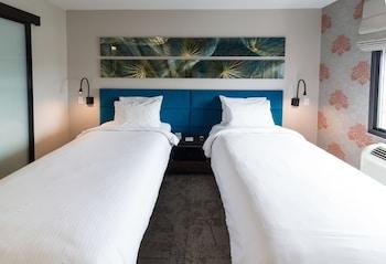 Guestroom at Hotel Le Jolie in Brooklyn
