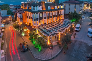 Book Amiral Palace Hotel - Special Class in Istanbul.