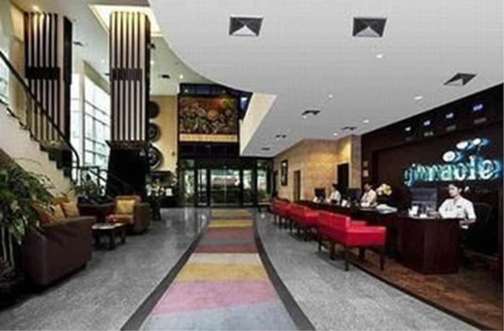 ピナクル ルンピニ パーク ホテル