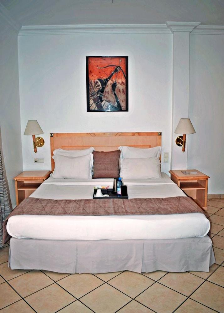아잘라이 그랜드 호텔(Azalai Grand Hotel) Hotel Image 2 - Guestroom