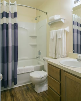 Affordable Corporate Suites of Salem - Bathroom  - #0