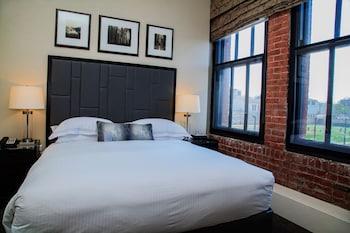 Room, 3 Bedrooms