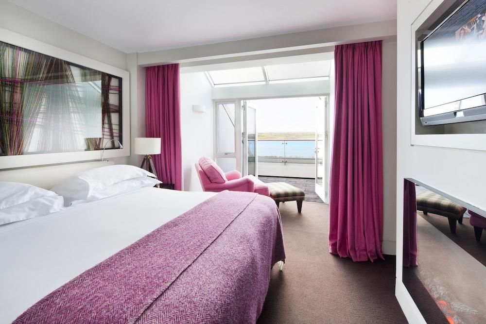 https://i.travelapi.com/hotels/2000000/1860000/1853400/1853356/2590207a_z.jpg