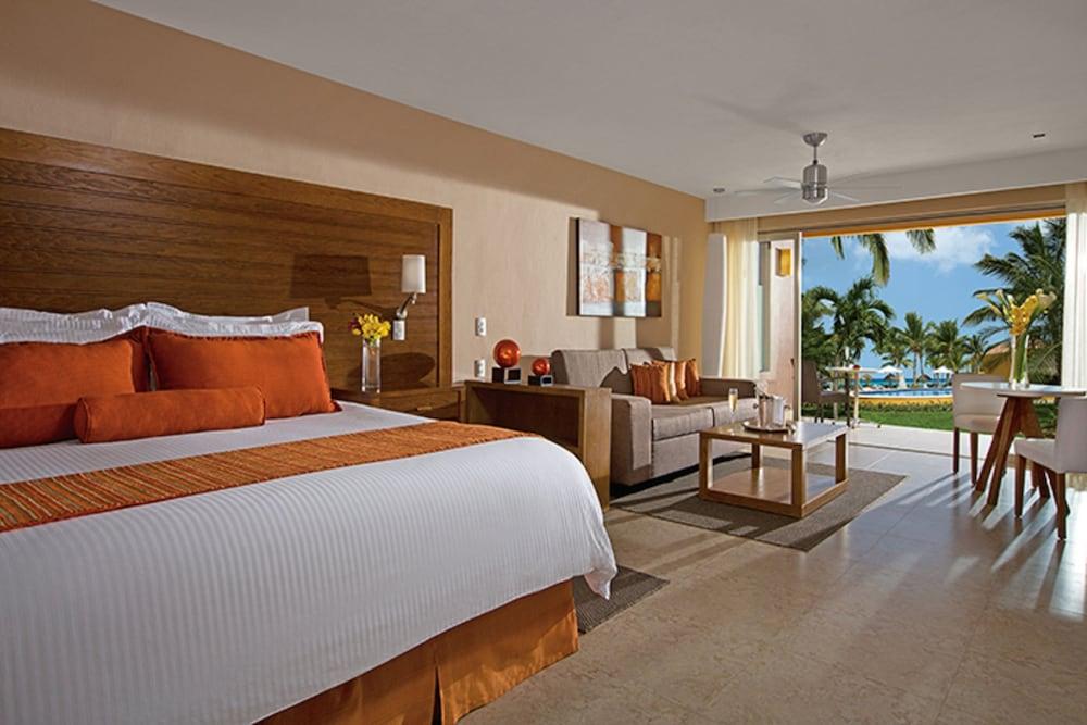 https://i.travelapi.com/hotels/2000000/1860000/1854100/1854031/36516203_z.jpg