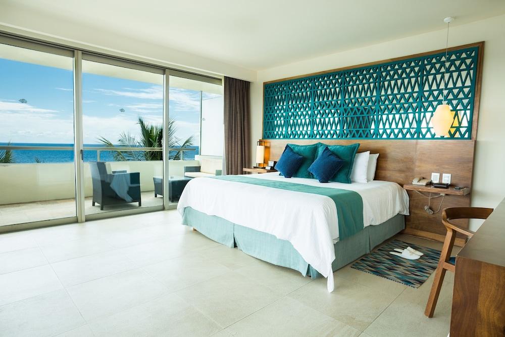 https://i.travelapi.com/hotels/2000000/1860000/1854100/1854031/8d6becfa_z.jpg