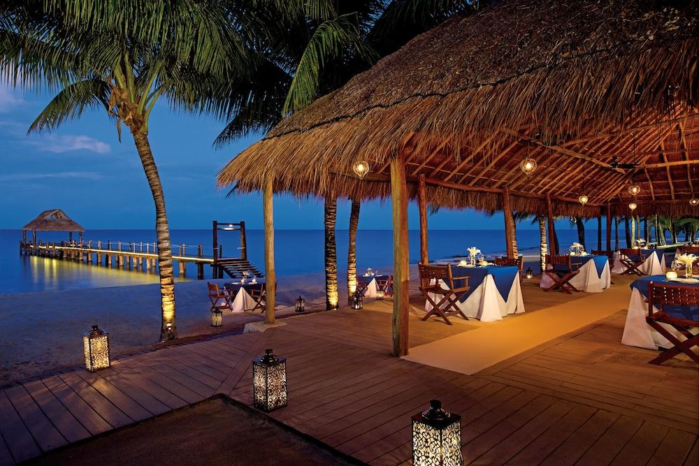 https://i.travelapi.com/hotels/2000000/1860000/1854100/1854031/fcb728e3_z.jpg