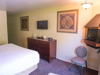 Guestroom at The Retreat on Charleston Peak in Mount Charleston
