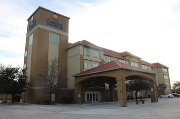 Hotel - Comfort Inn & Suites Near Six Flags & Medical Center
