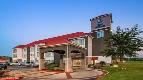 . Best Western Boerne Inn & Suites