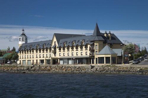 Hotel Costaustralis, Última Esperanza