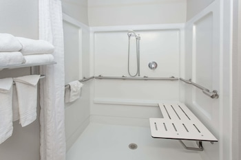 Room, 2 Queen Beds, Accessible, Refrigerator & Microwave (Roll-in shower, Safety bars)