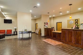 Hotel - Quality Suites North IH 35